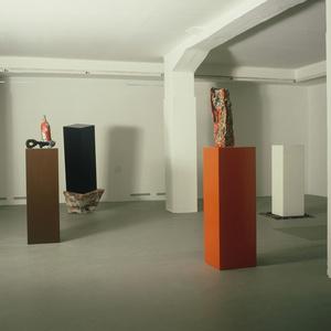 Neue Skulpturen, Kollaborationen Herbert Brandl, Heimo Zobernig
