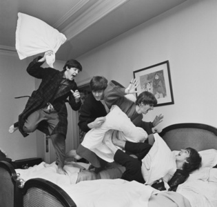 Beatles Pillow Fight, Paris