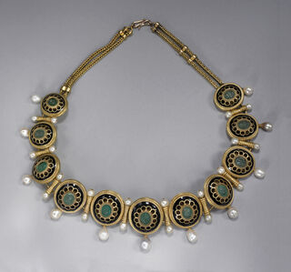 Necklace with cameos of theatrical masks