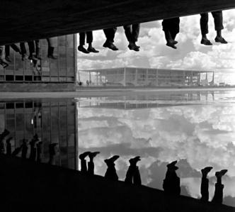 Brasília – Pé ante pé /Tiptoe