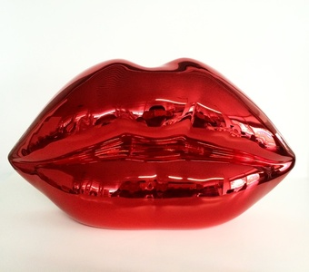 Kiss (Red)