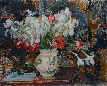 Bouquet d'iris blanches et de tulipes rouges,