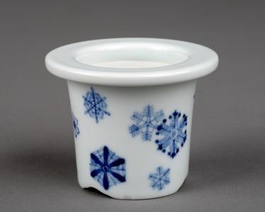 Snow crystal-style Bonsai plant pot / 染付雪華文下方丸鉢