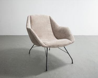 Lounge chair with upholstered seat and iron frame. Designed by Carlo Hauner for Forma, Brazil, circa 1960.