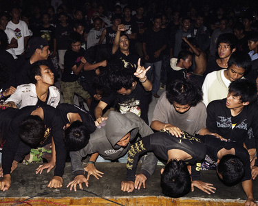 Front Row V Death Vomit Unlogic Scream 3, Salatiga, Indonesia February 2010