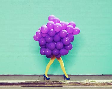 Je Ne Suis Pas Seul Sans Toi (Purple Balloons)
