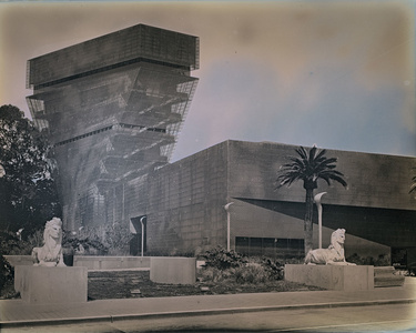 Sphinxes at the de Young Museum