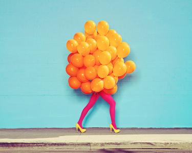 Je Ne Suis Pas Seul Sans Toi (Orange Balloons)