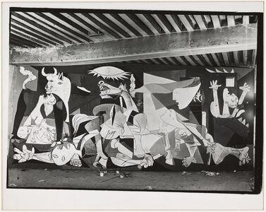 """Huile sur toile """"Guernica"""" en cours d'exécution, état VII, atelier des Grands-Augustins, Paris"""