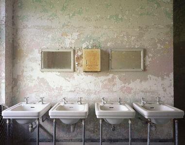 4 Sinks