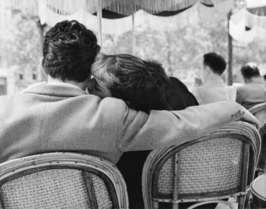 Sunday Morning at the Champs-Élysées, 1951