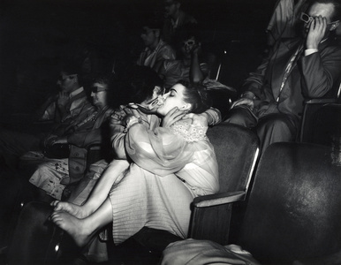 Weegee, Lovers with 3D glasses at Palace Theatre,