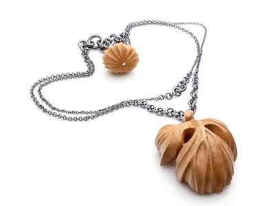 Fig (neckpiece)