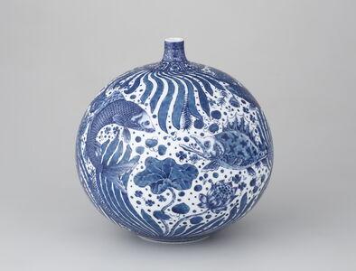Vase with Fish and Aquatic Plants Motif