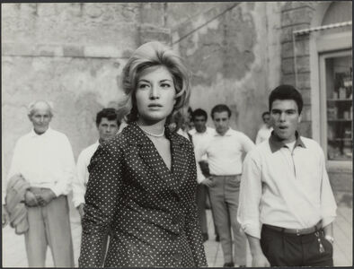 L'avventura (film still with Monica Vitti)