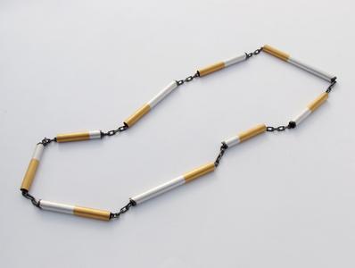 Chain smoker's chain