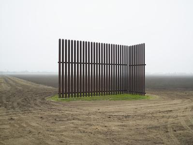 Wall, Los Indios, Texas, 2015 / El muro, Los Indios, Texas, 2015