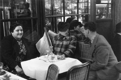 Willy Maywald, 'Charlotte Hockenheimer, Valeska Gert, Erwin Blumenfeld in einem Pariser Café', 1932-1922