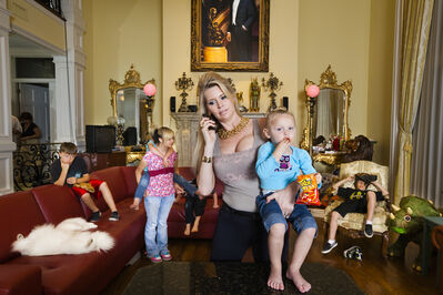 Lauren Greenfield, 'Jackie with some of her children in her living room, Windermere', 2009