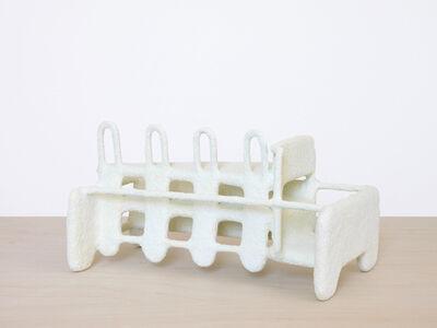 Model (White)
