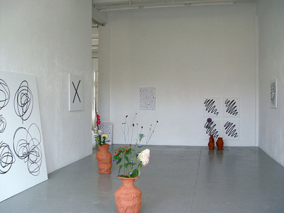 exhibition view Fundaments and Flowers