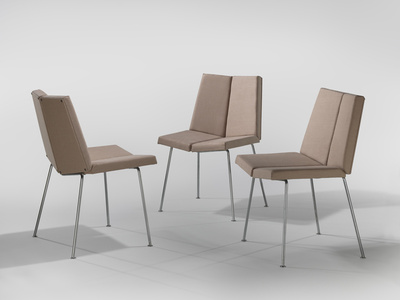 4 Faces Chairs
