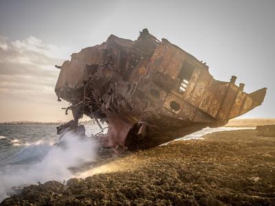 Restos de barco encallado