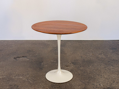 Tulip Side Table by Eero Saarinen