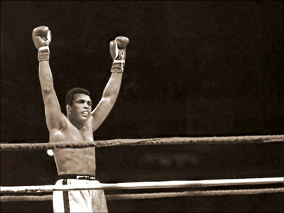 Muhammad Ali at the end of the last round against Leon Spinks