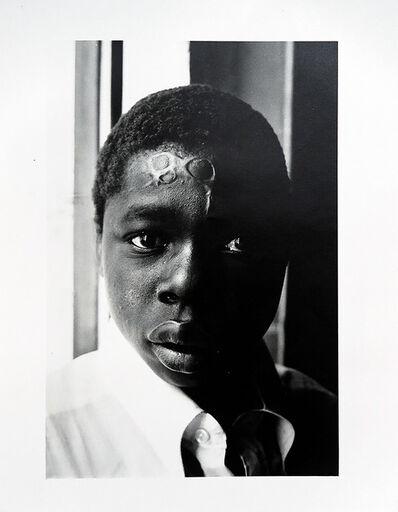 Ricardo Rangel, 'Jeune berger marqué au fer rouge après avoir perdu une bête, Changalane', 1972