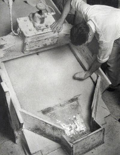 Harold Haliday Costain, 'Electric Vibrating Screen Used in Grading the Salt, Avery Island, Louisiana', 1934