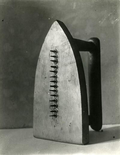 Man Ray, 'Cadeau', 1921