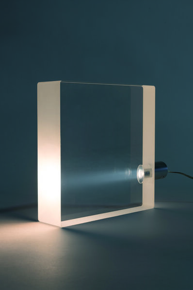"Tokujin Yoshioka, 'A ""ToFu"" lamp in methacrylate', vers 2000"