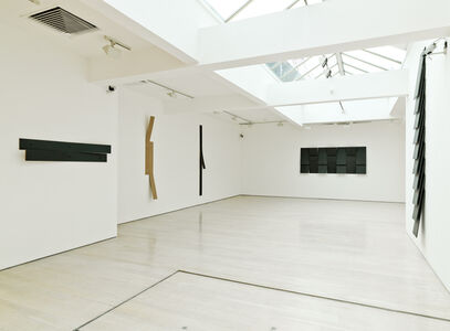 Lesley Foxcroft, Angles