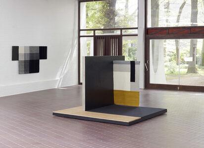 centre: Planar Pavilion / left wall: Parallel Planar Panel (black, dark grey, light grey, off-white)