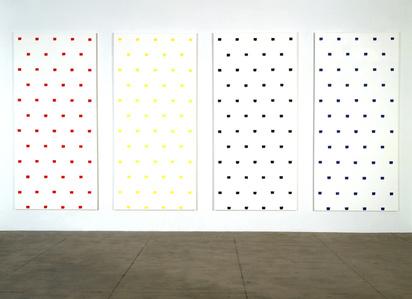 Empreintes de pinceau n°50 répétées à intervalles réguliers de 30 cm