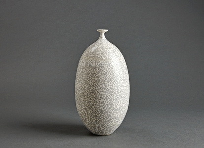 Vase, white crackle glaze
