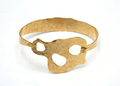 """BRACELET """"Trio"""" Gold plated and hand hammered by Jacques Jarrige"""