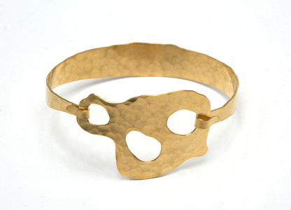 "BRACELET ""Trio"" Gold plated and hand hammered by Jacques Jarrige"
