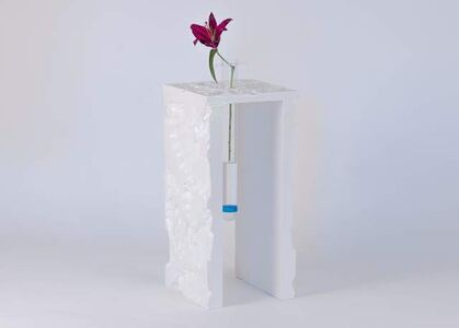 Pearlescent Lily Vase 1