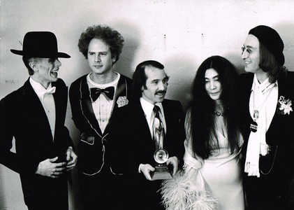 David Bowie, Art Garfunkel, Paul Simon, Yoko Ono, and John Lennon at the Grammy Awards, New York