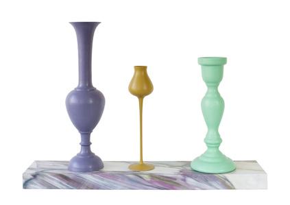 Vitrine Stand & 3 Prague Objects