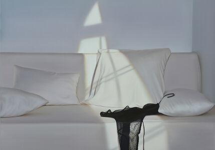 Bett mit schwarzer Spitze III