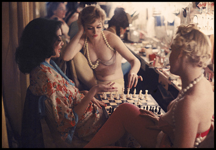 Showgirls Play Chess Backstage at the Latin Quarter Nightclub (70.048)