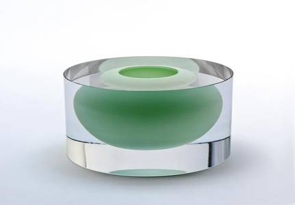 Clear cylinder with floating jade green bowl