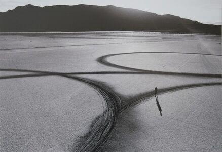 Michael Heizer: Circular surface planar displacement drawing
