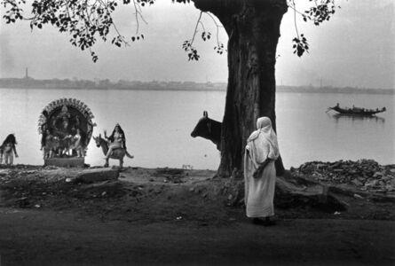 Women and Kali along Ganga river (Calcutta, India)