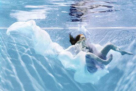 La Fille Sous L'eau