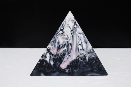 Aura Strawberry Milkshake Pyramid