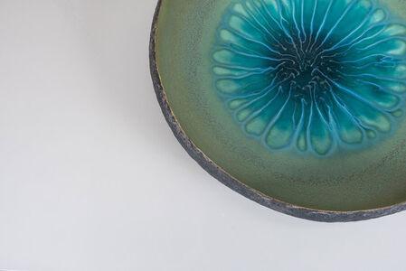 CENTERPIECE in ceramic with aqua glaze